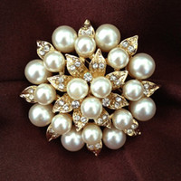 Wholesale 2 Inch Gold Plated Cream Pearl and Rhinestone Crystal Diamante leaf Flower Bridal Cake Brooch Pins