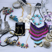 Wholesale Multi Jewelry Charm Necklaces Rings Earrings Bracelets Hot Sale Fashion Jewelry By Weight g
