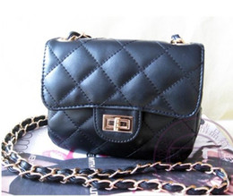 The new Women Girl handbags mini chain Lingge the package Messenger Bag