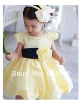achat en gros de fleur jaune robe-2016 Nouveaux enfants robe jaune floral perles Frock fleur manches courtes d'été ceinture 4pcs princesse robe / lot