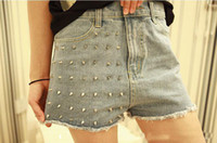 Wholesale best sale Summer frayed short jeans worn out with hole rivet design hot denim cargo pants for women