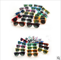 Wholesale new womens and mens most cheap modern beach sunglasses hot sale classic style