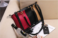 Wholesale 2013 New Handbags Fashion Hit color Retro Leisure Ms Shoulder Diagonal Handbag