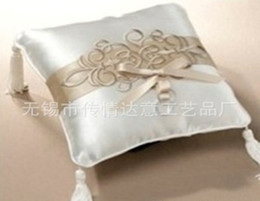 Wholesale Embroidery Wedding Ring Pillow Wedding Favor