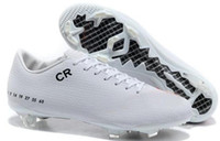 Wholesale White Black CR7 Retro Soccer Shoes for Mens Outdoor Football Boots Real Carbon Fiber Sole US6 SZ
