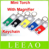 porte-clés faible achat en gros de-Le prix le plus bas 200pcs / lot Mini Keychain Gift Torch Flash Light avec Magnifier Bright 1 LED Flashlight