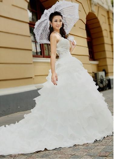 European charming style of romantic wedding dresses for Wedding dresses in europe
