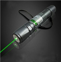 Wholesale NEW mw Green laser pointer Laser pen Focus Lighting a match With battery and charger