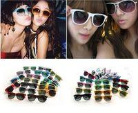 Wholesale 60pcs hot beach sunglasses classic style mens sun glasses womens designer sunglasses mens glasses
