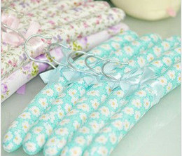Wholesale Fabric hangers package cloth fashion flower racks colors Closet hangers
