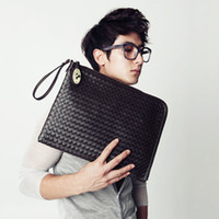 Wholesale Korean mens personality gold zipper woven bag Messenger bag handbag