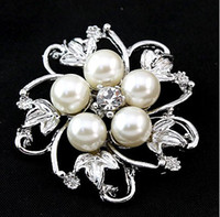 Wholesale Silver Plated Alloy Flower Petal Clear Rhinestone Brooches For Wedding Gifts Pearl Corsage Pin Colors In Stock SC17