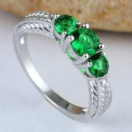Lady 3-Stone Round Green Emerald Band Ring Silver Ring Size 8 Wed J7701 Factory Price