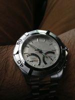 Fashion mens luxury watch quartz - Luxury Brand Men s Quartz Dive watch Calibre Mens Sport Tag Wrist Watch White Dial TA45