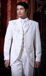 Custom Made White Groom Tuxedos Embroidery Groomsmen Men Wedding Suits(Jacket+Pants+Tie+Vest)H147