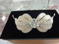 Wholesale Sparkling High Quality Tiaras Comb Crystals Pearl Wedding Bridal Hair Flora Accessories Headpiece