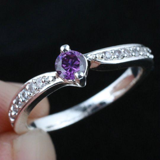 WomenS Lab Purple Amethyst Wedding Band Silver Ring Size 8 Wed
