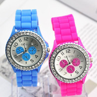 Wholesale 200pcs New Geneva Diamond watch rose stone with eyes face rubber silicone jelly wrist watches