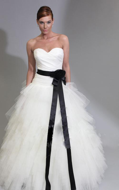 Vintage White And Black Wedding Dresses Princess Sweetheart Peated ...