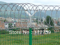 Wholesale Razor Barbed Wire On the Top of Wire Mesh Fence Anti Climb