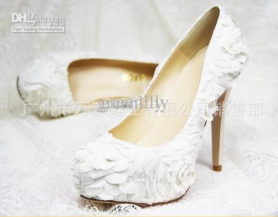 Luxurious Rhinestones Elegant Lace Flower Wedding Shoes