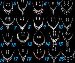 Beaux colliers à vendre-10set Cristaux magnifiques bijoux en argent Belle de mariage Collier boucles d'oreilles accessoires de mariée