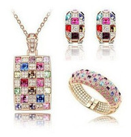 Wholesale Austria crystal queen necklace earrings bracelet three piece suit fashion jewelry golden and silver sp55