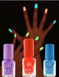 Wholesale retail Colors ML charm Fluorescent Neon Nail Art Polish Glow in Dark Nail Varnish Hot
