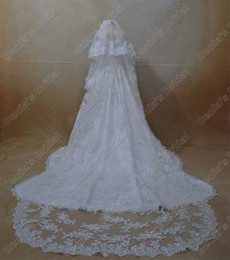 2016 Bridal Wedding Lace Veils Two Tiered Handmade Flowers Beaded Lace Appliques Long Tulle Bridal Veils