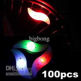 DHL FREE HOTSALE Vélos Moto Auto s forme-Colorful Roue LED Tire Valve Cap Safety Flash Light Glow bande sans emballage de vente au détail à partir de roue vélo lumières de soupapes de sécurité fabricateur