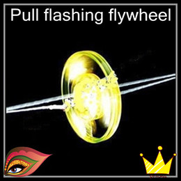 Wholesale Novelty colorful Pull the flywheel pull flash flash top light emitting gyro flywheel hot gifts