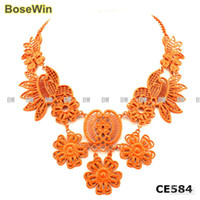 Wholesale Neon Flower Necklaces Pendants Choker Necklaces Fashion Spray Paint Metal Colors CE5