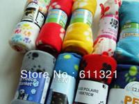 Wholesale Hot Sell Cute Soft Warm Towel Paw Prints Pet Puppy Dog Cat Fleece Blanket Mat x70cm V3290