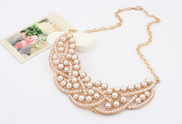 Wholesale New Arrival Fashion Gold Tone Metal Pearl Hollow Out Charming Choker Bib Necklace pc