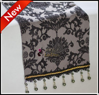 Wholesale New arrive low key luxuriant style party Decorating Fabric table runner Table Runners tablecloth