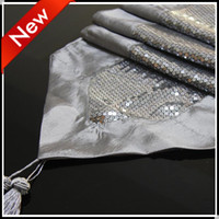 Wholesale New Simple style Wedding party Decorating Fabric table runner with sequins Table Runners tablecloth