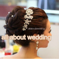 Wholesale 2015 Crystal Wedding Bridal Jewelry Crystal Floral Hair Comb The texture of the metal ornaments