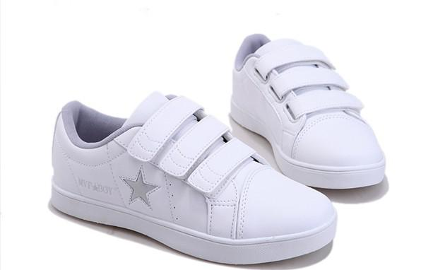 New Balance^ 577 Womens Walking Shoes. Black. Black. White