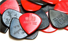 100 piece Guitar Picks Jim Dunlop Jazz III guitar pick in red and black with case small