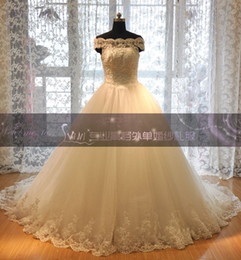 Wholesale Off shoulder New Sweetheart Strapless Wedding Dress with Beaded crystal Lace Bust Chapel train Tulle Wedding Dresses Bridal Dresses Lace up