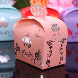 Wholesale New Elegant Decorative Pattern Imperial Crown Wedding Favor Boxes for Wedding Supplies X Colors