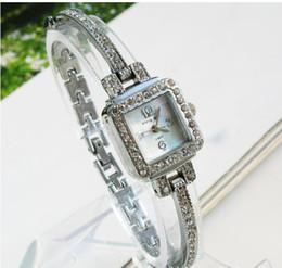 free shipping 2017 new style Design Ladies Wrist Watches Gorgeous Rhinestones Girl Women Bracelet Wrist Watch