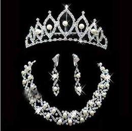 nueva venida elegante boda nupcial perla cristal y Rhinestone Fancy Gargantilla Collar pendiente Tiara establecen mujeres amando accesorios t5101