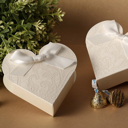 Wholesale Wedding Favors Heart Shaped White Ribbon Candy Boxes Bridal Party Gifts Holder