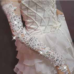 Wholesale 2013 Charming White red Wedding Dress Bridal Gloves Bridal Accessory Long Length Beaded Lace Sequi sexy slimming fingerless gloves t5113