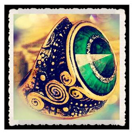 Wholesale European and American trade jewelry jewelry section emerald vintage carved ring