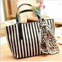 Wholesale Hot sale ladies cheap navy wind black and white striped beach bags reusable grocery ZIPPERED Summer shopping tote with scarf t5128