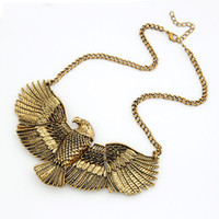 Wholesale new jewelry european fashion vintage eagle animal female necklace short alloy