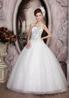 Wholesale Wedding Dress Red White Charming Strapless Slim Bride Wedding Dress Ball Gown Party Dress Bead Waisted Layer Sweep Train