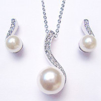Wholesale Stock Price For Long Term Partnership Fashion High grade pearl Crystal Necklace sets